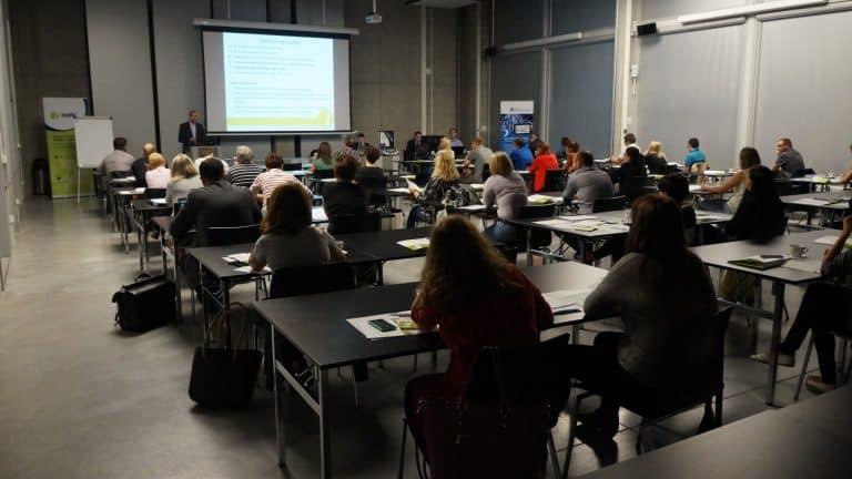 Regulamin Najmu Sal Konferencyjnych i VIP Room